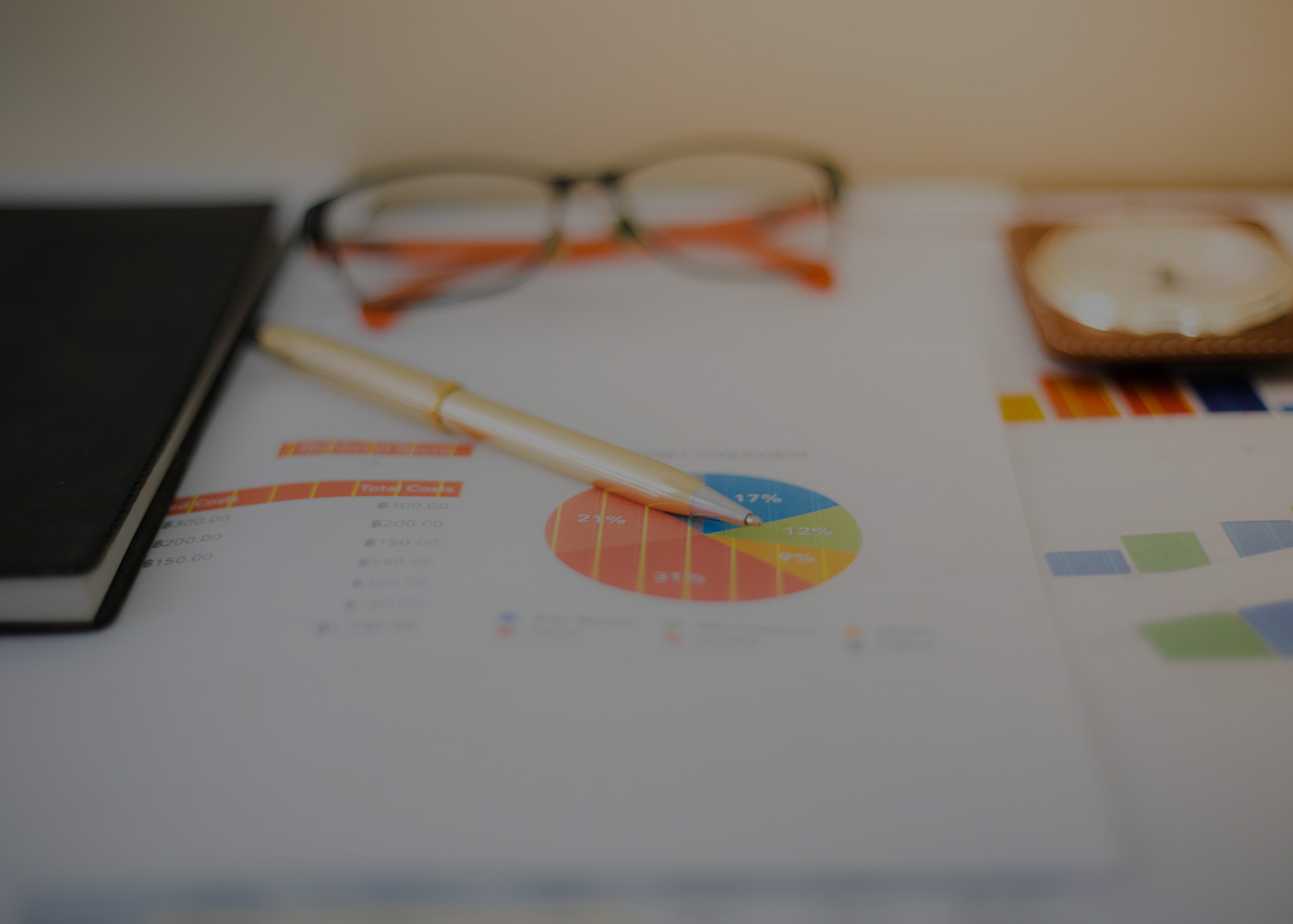 Glasses and pie chart